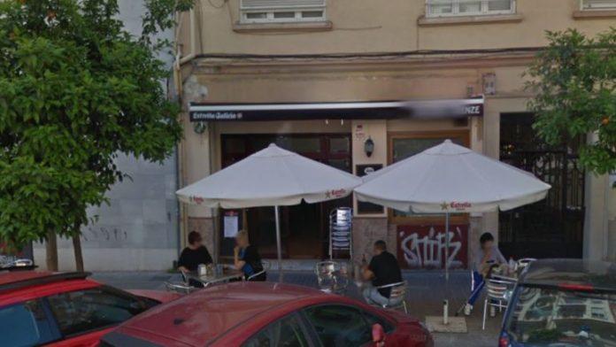 Una pizzería en Valencia niega la entrada a personas en silla de ruedas porque