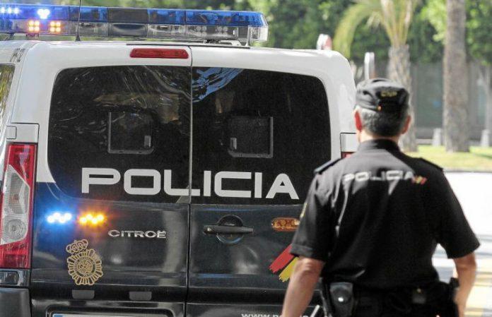 Alicante: Cinco detenidos por intentar robar en dos establecimientos comerciales y un domicilio