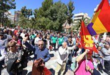 Miles de personas exigen un trabajo digno en Elda y Petrer