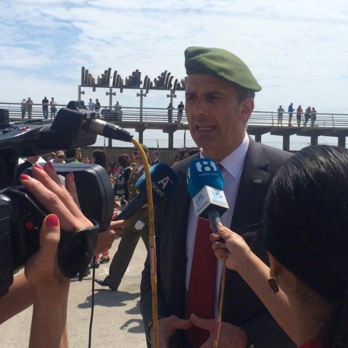 JAVIER ORTEGA SMIHT, Secretario General de VOX participa en la Jura de Bandera de Alicante.