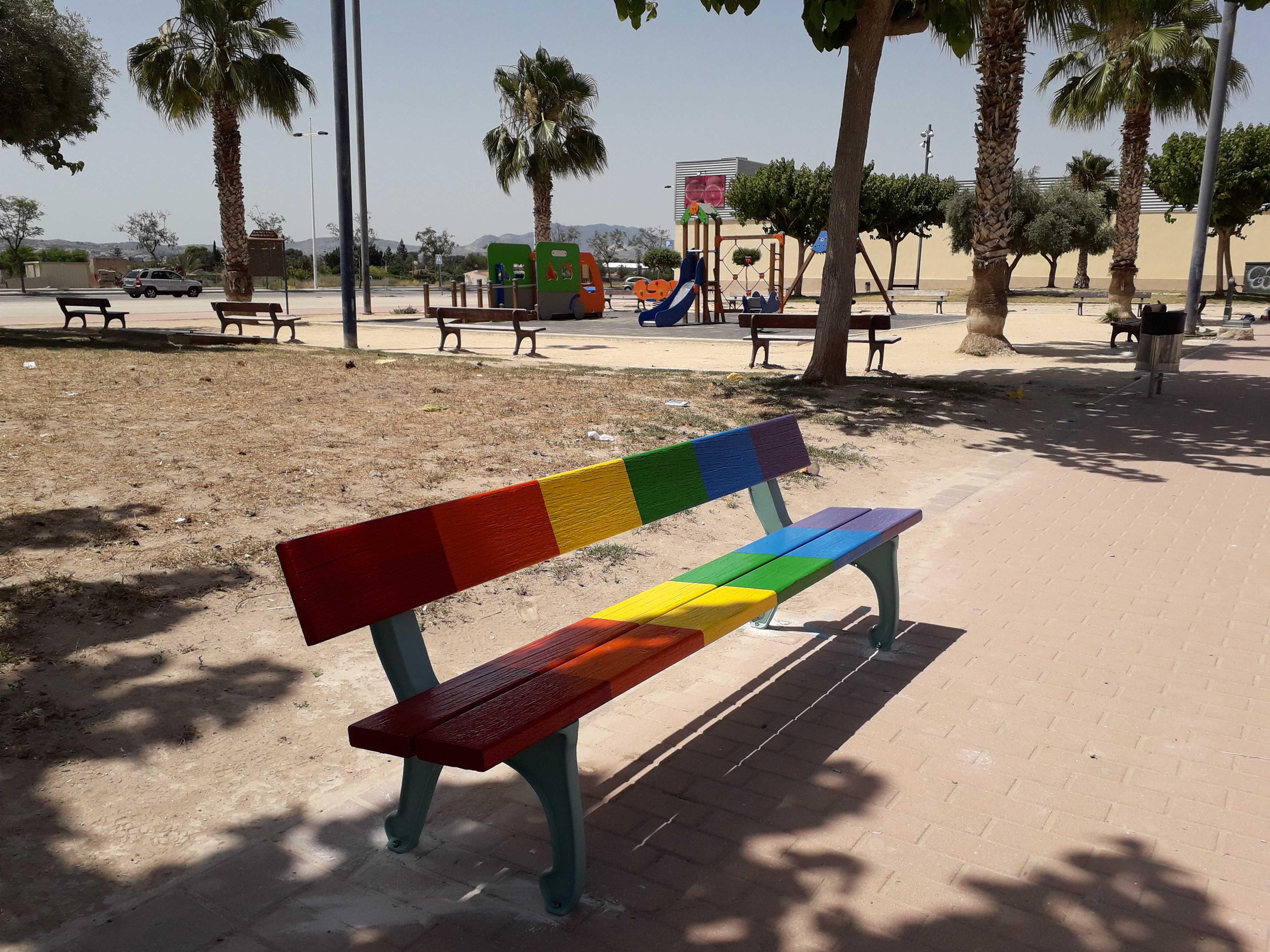 Novelda reivindica la diversidad sexual en la vejez en la celebración del Día del Orgullo LGTBI