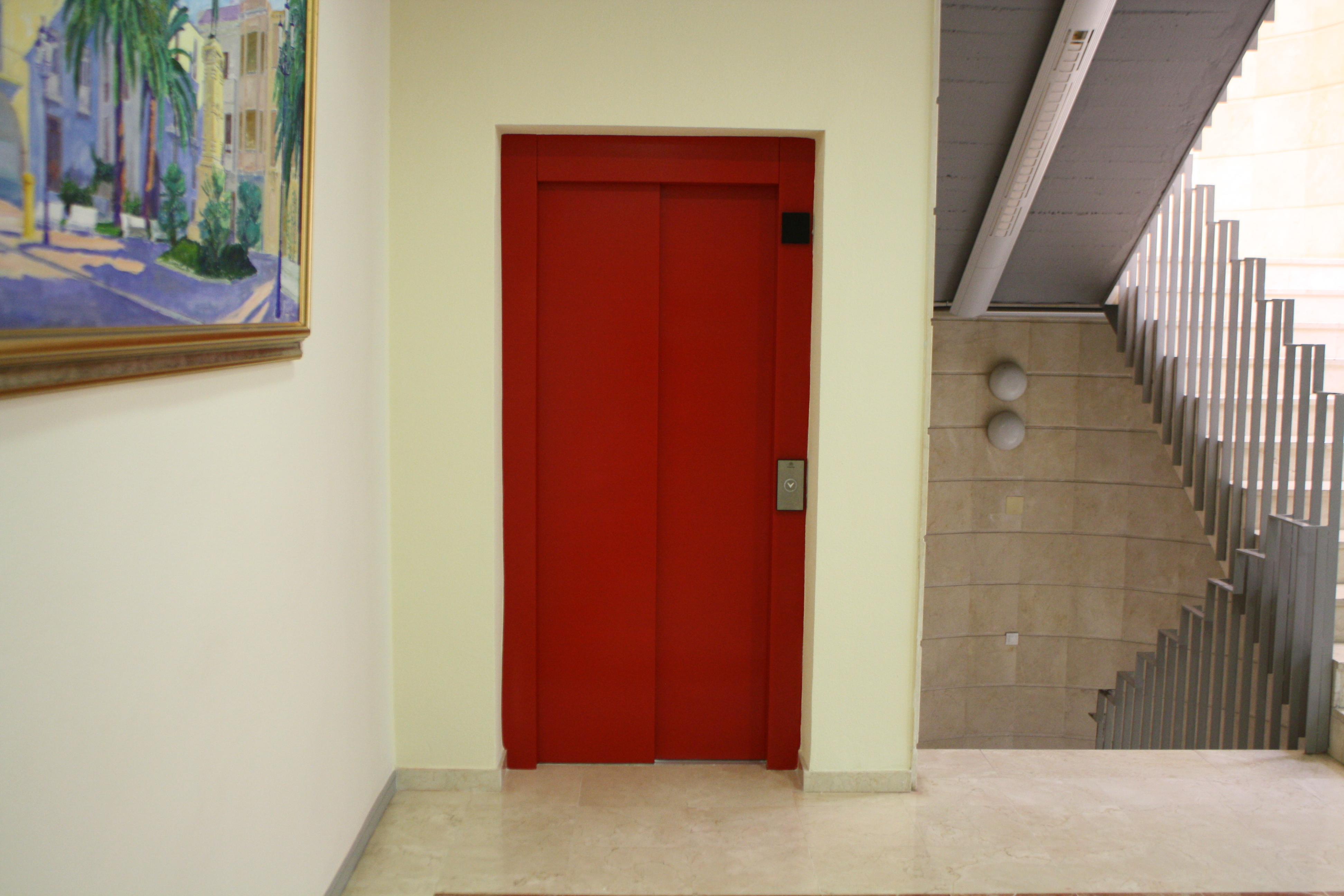 El Ayuntamiento de Novelda dispone ya de ascensor accesible