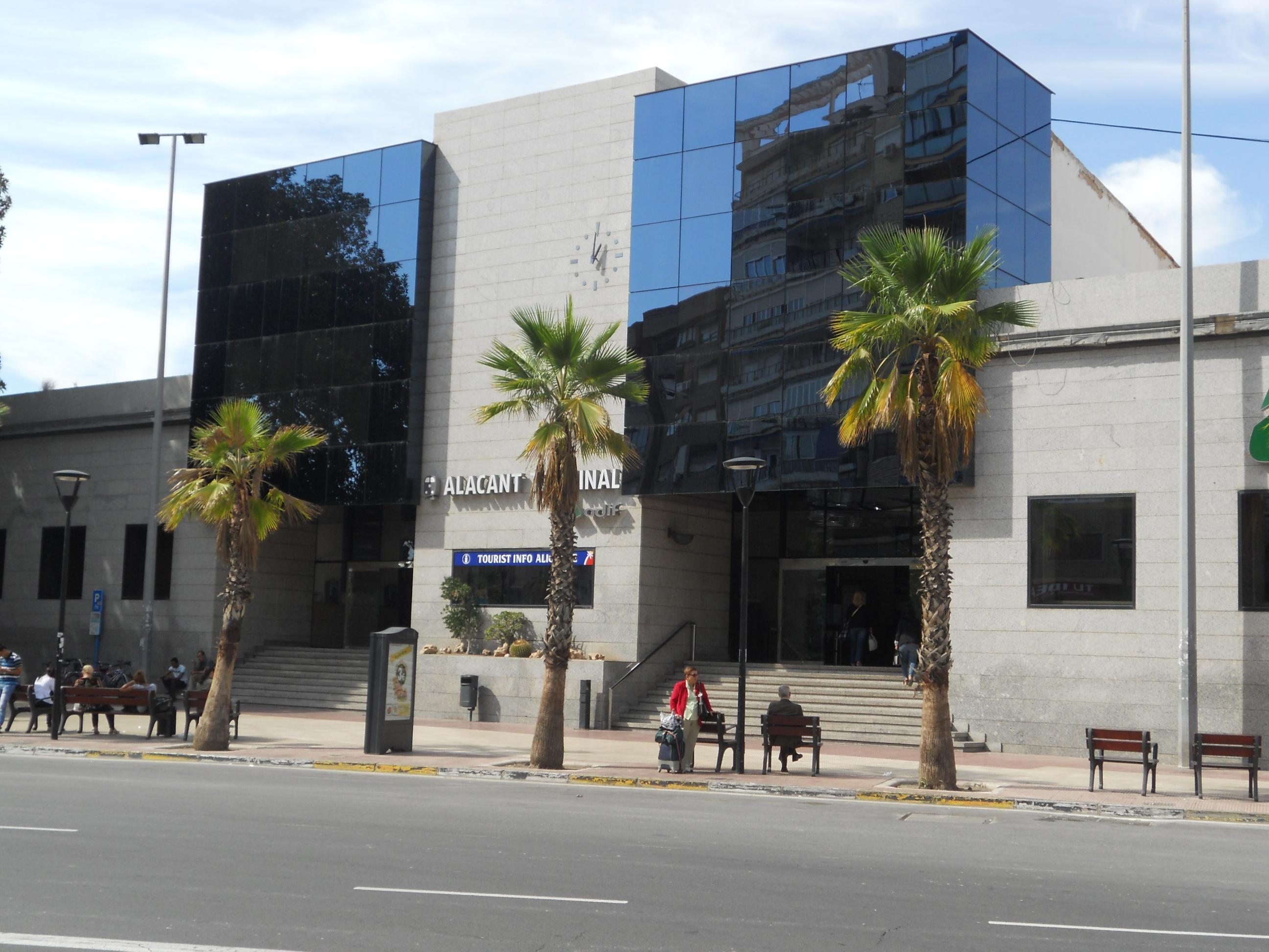 ALICANTE: La Empresa de Renfe cierra los primeros seis años del AVE Alicante-Madrid con Más de 11 millones de pasajeros