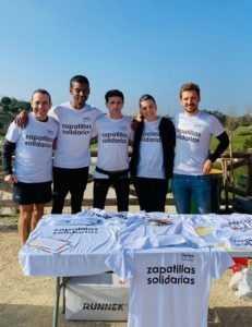 16 RUNNERS DE 'ZAPATILLAS SOLIDARIAS' CORRERÁN HOY LA BENIDORMHALF