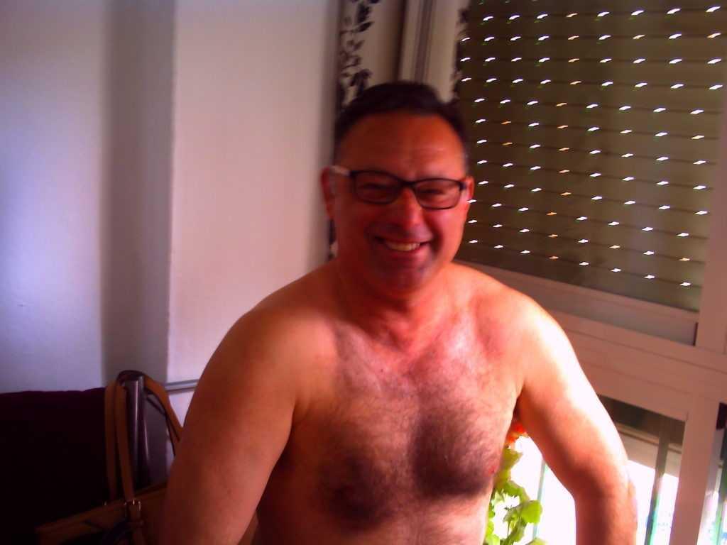 Desnudos por una sanidad de verdad para todos