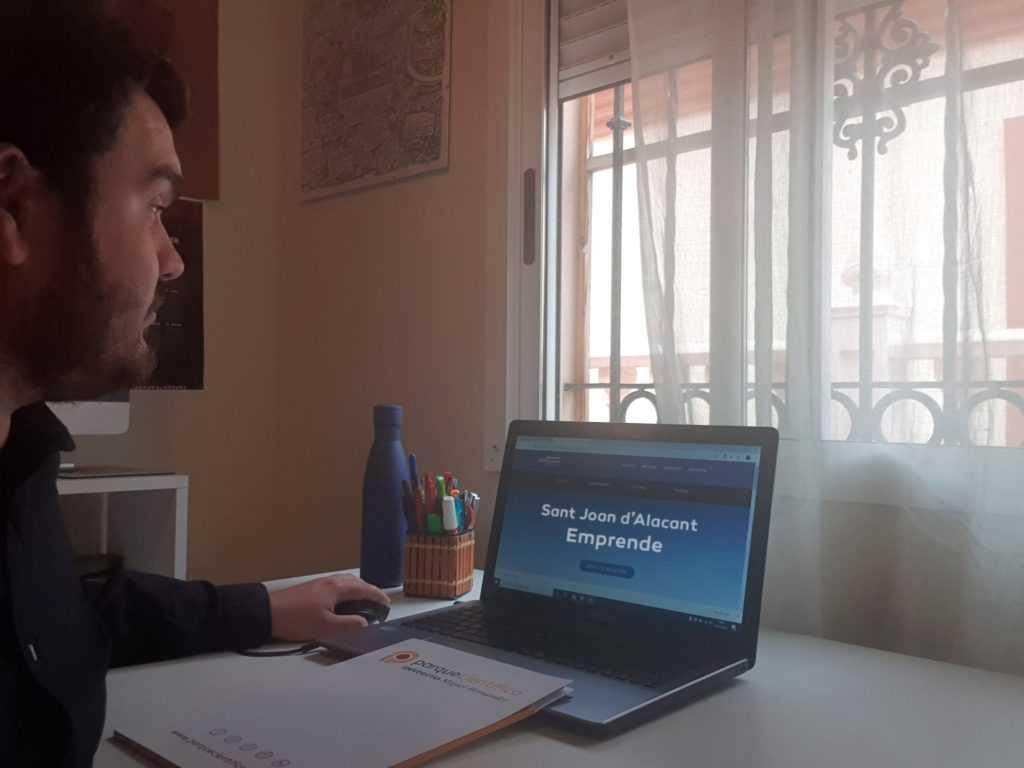 Presentación de la 2ª edición de Sant Joan Emprende y experiencias emprendedoras, en una jornada online del Parque Científico de la UMH
