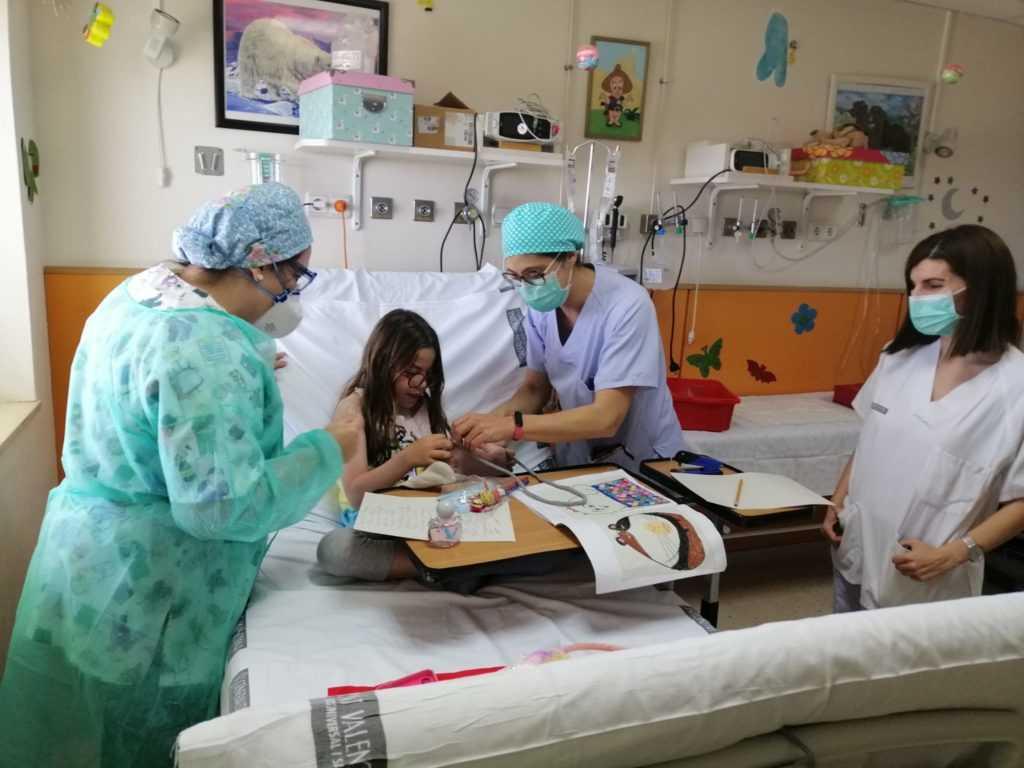 El Hospital General Universitario de Elche celebra el Día del Niño Hospitalizado