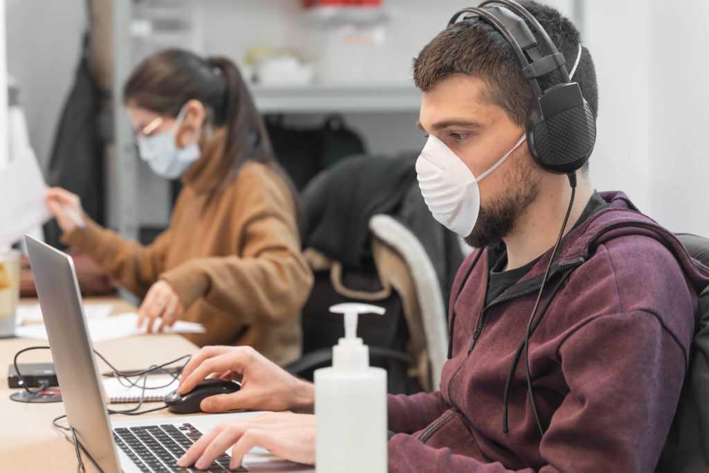 Los valencianos quieren medidas contra el contagio en su vuelta al puesto de trabajo