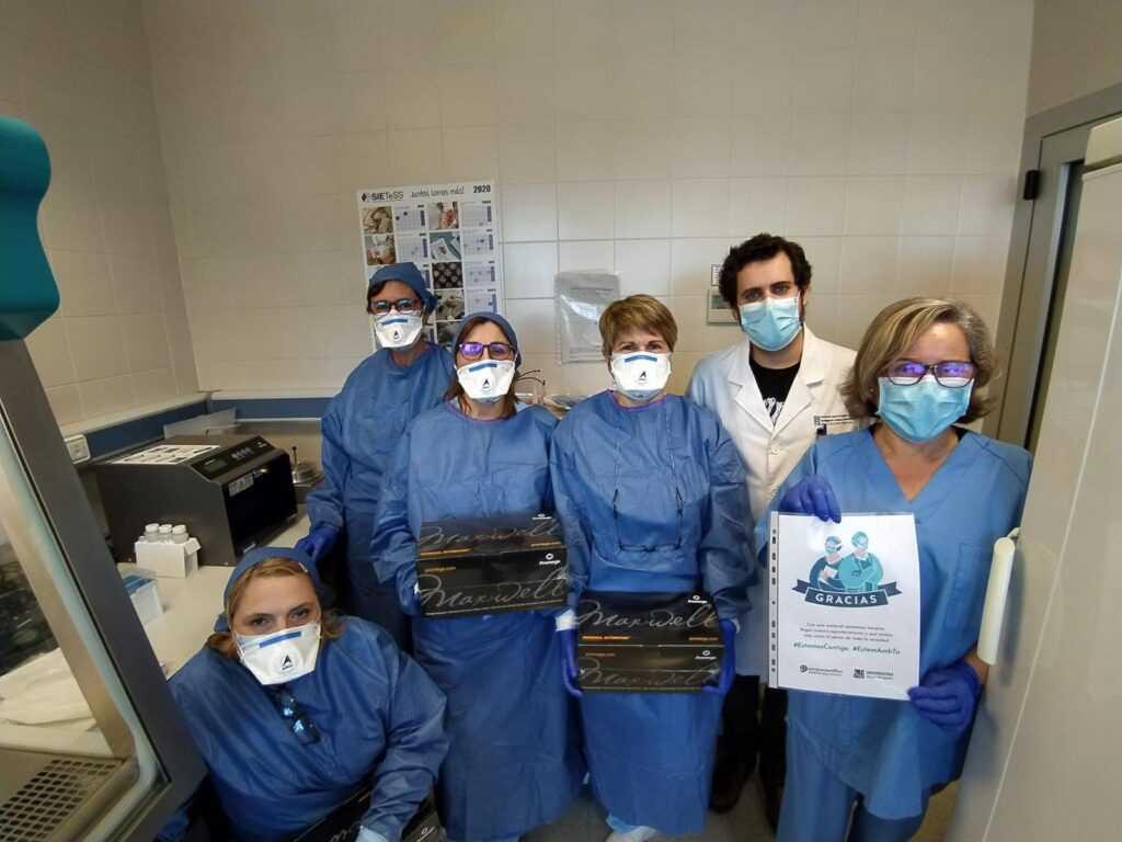 Los profesionales del Departamento de Salud del Hospital General Universitario de Elche agradecen la solidaridad ciudadana durante la pandemia por coronavirus
