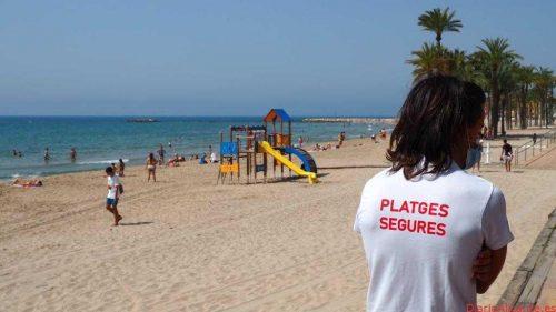 La Vila refuerza los controles de acceso y aforo en sus playas ante el aumento de usuarios