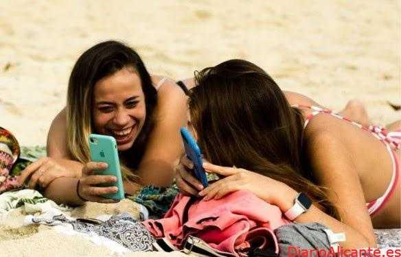 ¿Qué parte de la población es más adicta a los teléfonos móviles?