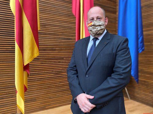 VOX acusa al Botánico y al Gobierno de Sánchez de ser cómplices de las mafias que trafican con inmigrantes ilegales y generar inseguridad y delincuencia