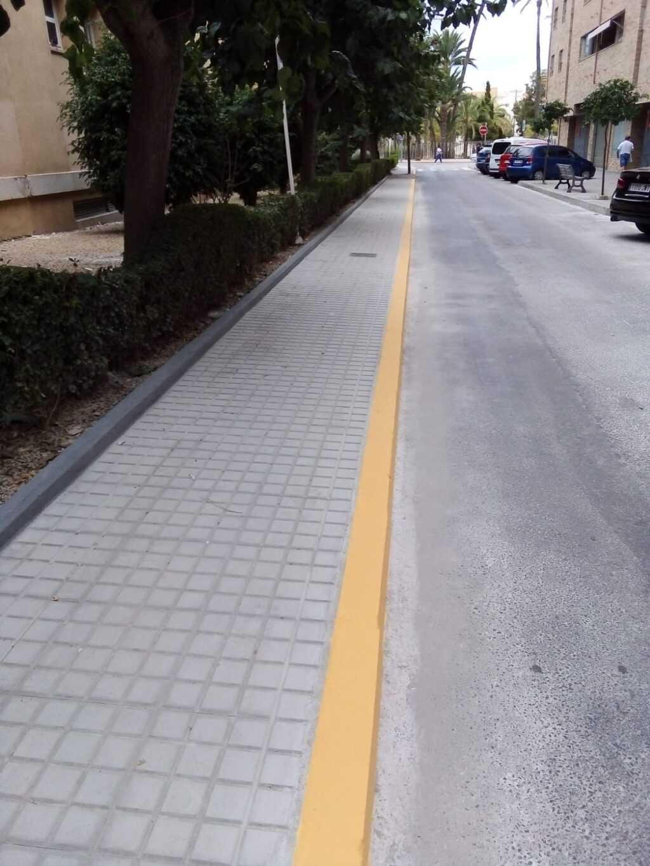 La Avenida dels Germans Aragonés i Urrios ya cuenta con nuevo acerado