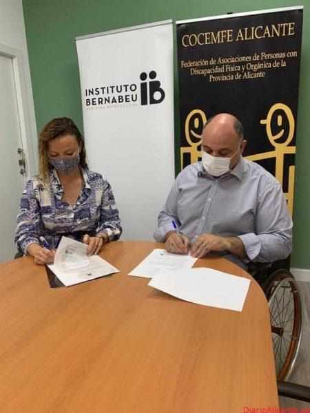 Instituto Bernabeu con su Fundación y COCEMFE firman un convenio de colaboración para facilitar el acceso al diagnóstico temprano y prevención de enfermedades genéticas