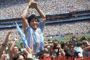 Fallece Diego Maradona a sus 60 Años
