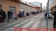 El Banco Obrero de Torrevieja realiza un reparto de juguetes a más de 100 familias