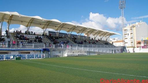 El campo municipal de fútbol 'Nou Pla' de la Vila lucirá nuevo césped artificial