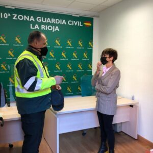 La Directora General de la Guardia Civil se reúne con los responsables de la Guardia Civil en La Rioja y de la Unidad de Acción Rural