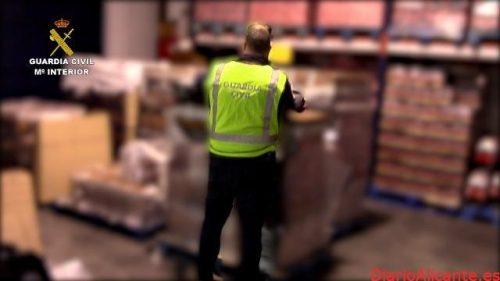 La Guardia Civil interviene más de 225.000 botellas de ron falsificadas que habían sido introducidas en España