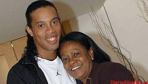 Fallece la Madre de Ronaldinho a causa del Covid