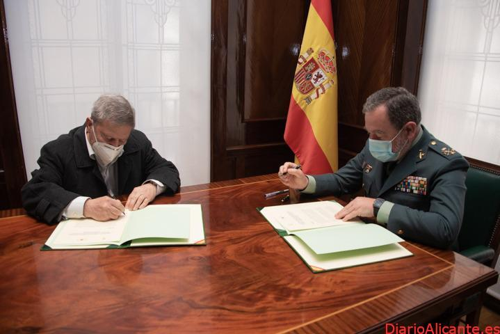 La Guardia Civil y la Federación Española de Asociaciones de Amigos del Camino de Santiago firman un procedimiento operativo orientado a ofrecer más seguridad en el Camino de Santiago
