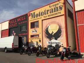 ¿Qué debo buscar en una empresa de envío de motos?