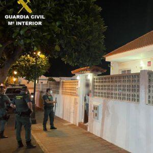 La Guardia Civil levanta acta de denuncia a 84 personas que se encontraban realizando una fiesta de madrugada