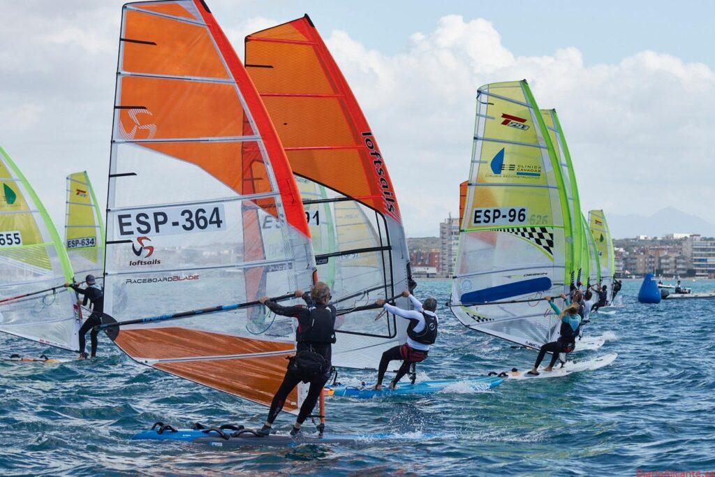 La FVCV proclama a sus campeones autonómicos de Windsurf &IQFoil en el Club Náutico de Santa Pola