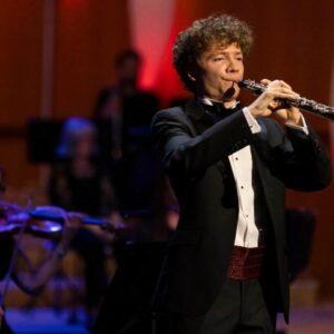 """LA MUSICA DE OSCAR NAVARRO EN EL PROGRAMA DE TV """"BBC YOUNG MUSICIANS"""""""