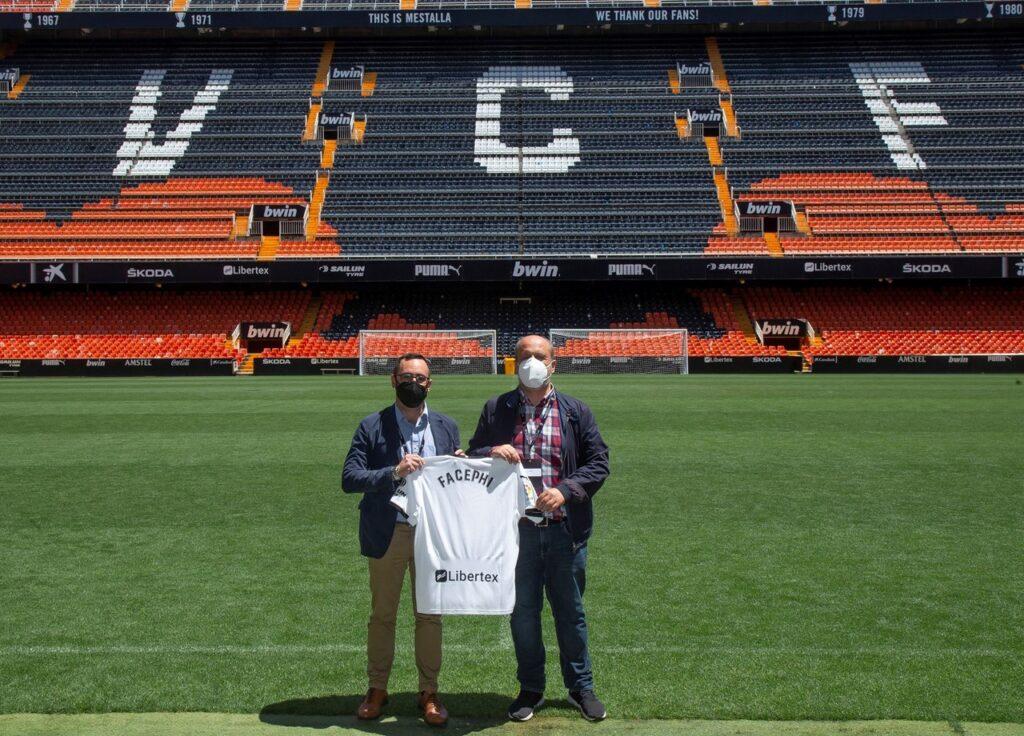 FacePhi entra en el fútbol de élitee implantará acceso biométrico en el estadio del Valencia CF