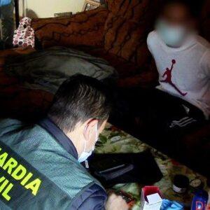 La Guardia Civil detiene a cinco miembros de la banda latina Dominican Don't Play por intento de homicidio