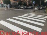 Petrer repone la pintura vial de la señalización horizontal en 13 vías públicas