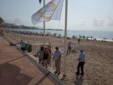La secretaria autonómica de Salud Pública hace entrega dela bandera de Playas sin Humo a la Vila Joiosa