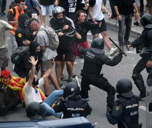 Antidemocrático y dividido polvorín catalán