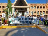 CSIF protesta ante Conselleria de Educación por los impagos